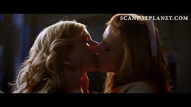 Bella Thorne Lesbian Kiss with Samara Weaving - On ScandalPlanet.Com