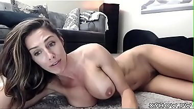 Mature Sexy Babe Masturbating On Live Camshow