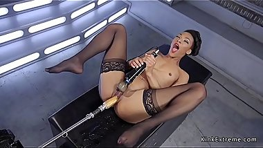 Flat chest ebony fucks fast machine