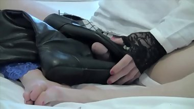 TS Schoolgirl - Cum On My Boots