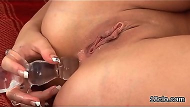 Ideal girl is opening up juicy fuckbox in closeup and cumming