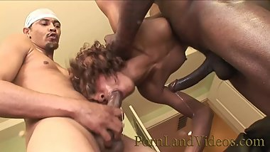 FREAKY BLACK GIRL SUCKING 5 BLACK COCKS