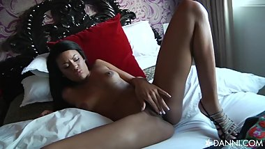 Sexy Rihanna Rimes plays with her tight wet pussy