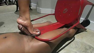 ball crushing on chair