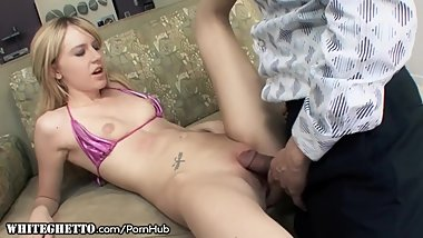 WhiteGhetto Amateur Teen Calls Him Daddy as he Drills Her