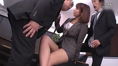 SSNI-179 Ultra-tight Mini Skirt Which Is Absolutely Panicking Young Wife