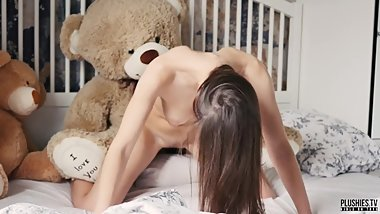 Jizz - Perfect body student girl morning sex with daddy teddy bear Brownie