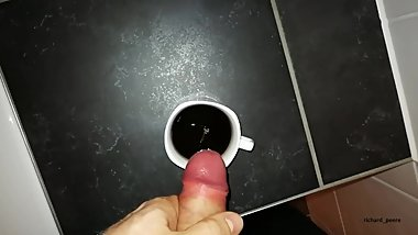 Put some cream to my coffee