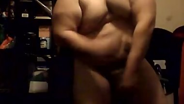 Well Endowed Chub With Bulky Muscles