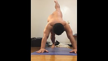 vlog #80 naked yoga with a focus on my head, neck, spine, and back