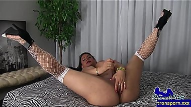Alluring trans mature cums after wanking