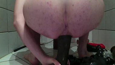 Bi Guy prolapse his ass with huge toys