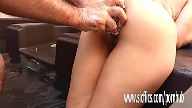 Anal fisting and bizarre XL insertions amateur