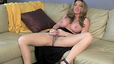 Kayla Paige's toasted cougar jerk session - JerkOffInstructions.com