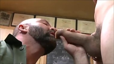 Sucking fat cock