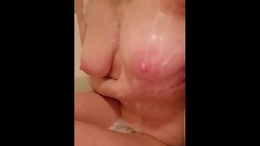 Sexy bathing tease