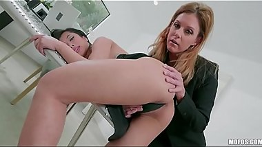 FULL SCENE on http://bit.ly/MoFucks - Bossy Threesome - India Summer, Jade Kush
