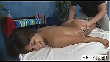 Very hawt gets screwed hard by her massage therapist