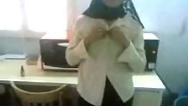 malay- tudung (hijab) girl giving bj in office