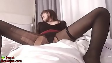 Sweet Asian with sexy legs in pantyhose - video link for more