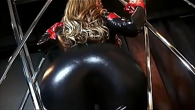 Eva Notty in Spandex grows a big thicc ass (Booty Expansion / Ass Inflation)