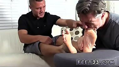 Gay foot fetish office first time Tommy Makes Tenant Worship His Feet