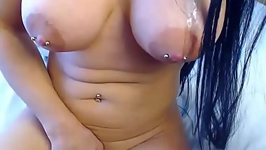 Hot brunette camwhore with pierced nipples