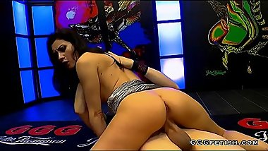 Valentina gives twerking on hard cock and gets anal