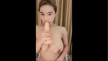 Chinese cam girl Bohai play and test big toy - Free adult webcams on Imlivefreecams.com