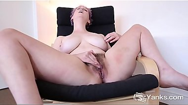 Yanks Girl Vera Blue'_s Hot Hairy Pussy Loving