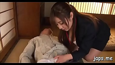 Hot japanese babe gives favourable dude a really nice footjob