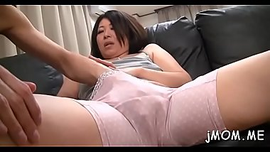 Breathtaking mature gets on her knees and gives sexy blowjob