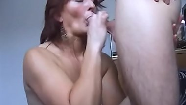 Tattooed Cinoy gets on her knees to welcome cock in her mouth