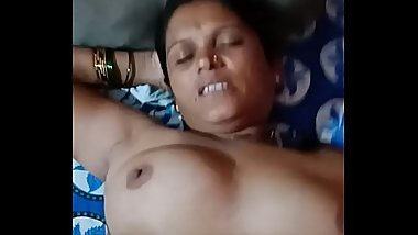 Indian aunty fucking with young guy
