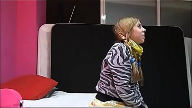 Nena pillada y recontra follada - Video completo aqui: http://zo.ee/5FLiY