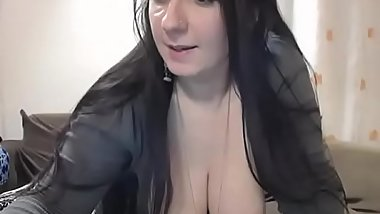 Busty babe having fun show on webcam