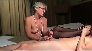 Leilani Lei Hot Granny Give a Super Sexy Footjob