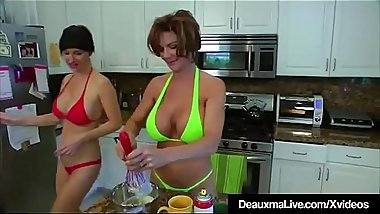 Texas Cougar Deauxma Eats Angie Noir'_s Pussy In The Kitchen!