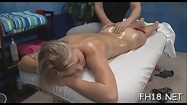 Teen sucks and bonks her massage therapist