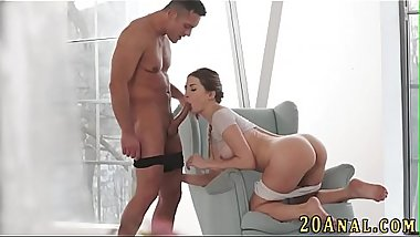 Gobbling babe gets anal